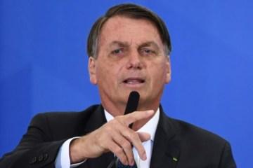 Bolsonaro apela para caminhoneiro não realizar greve e avalia medidas no diesel