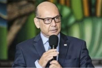 dimas covas 1 - 5,4 MIL LITROS: Insumo da Coronavac deve chegar ao Brasil no dia 3 de fevereiro, diz diretor do Butantan