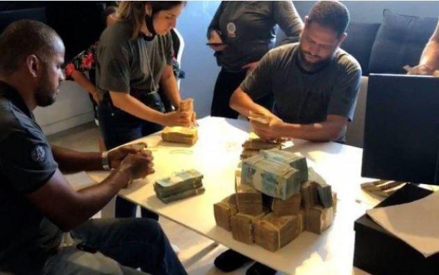 dinheiro 1 - 'Estamos trabalhando para provar que o dinheiro é lícito', diz Nego do Borel sobre dinheiro apreendido em sua casa