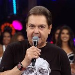 """faustão e bailarinas1 - Faustão se pronuncia sobre fim do programa e saída da Globo: """"Gratidão"""""""