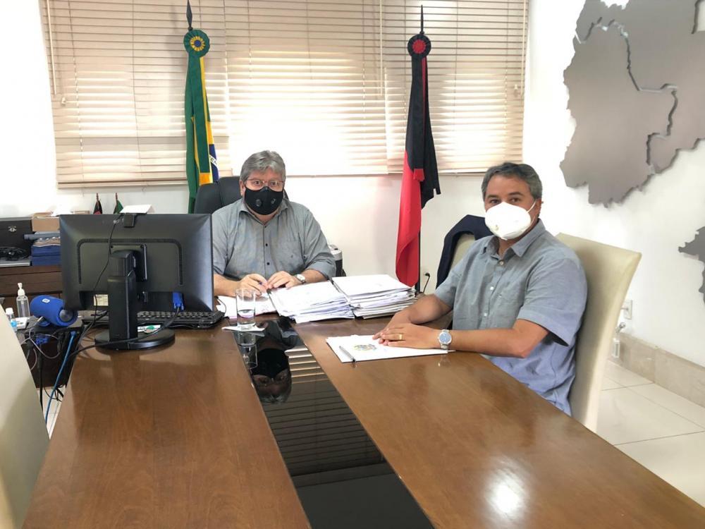 Município de Santa Luzia receberá pavimentação asfáltica, após solicitação de Efraim Filho ao governo do Estado