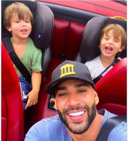 filhos - Fãs de Gustavo Lima pedem reconciliação com Suíta, após cantor postar foto com filhos