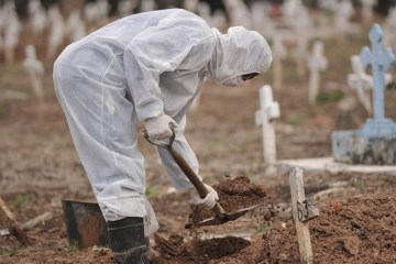 mortes coronavirus - NOVO RECORDE NA PANDEMIA: Brasil registra 1.910 mortes e 71 mil casos de Covid-19 em 24 horas