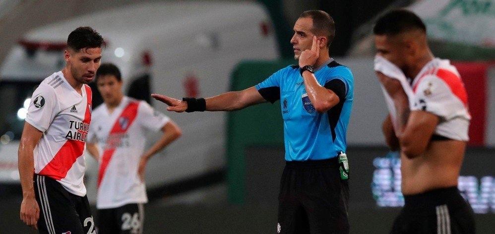 palmeiras var - River faz 2, VAR anula gol e pênalti, e Palmeiras vai à final: Deus é palmeirense! - Por Juca Kfouri