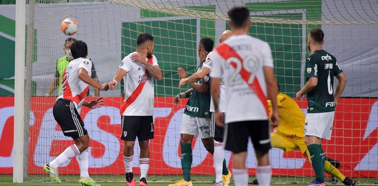 palmeiras x river - River faz 2, VAR anula gol e pênalti, e Palmeiras vai à final: Deus é palmeirense! - Por Juca Kfouri