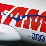 tam airlines airbus a319 pt tma - Por atraso no voo, TAM irá indenizar homem que perdeu enterro da irmã