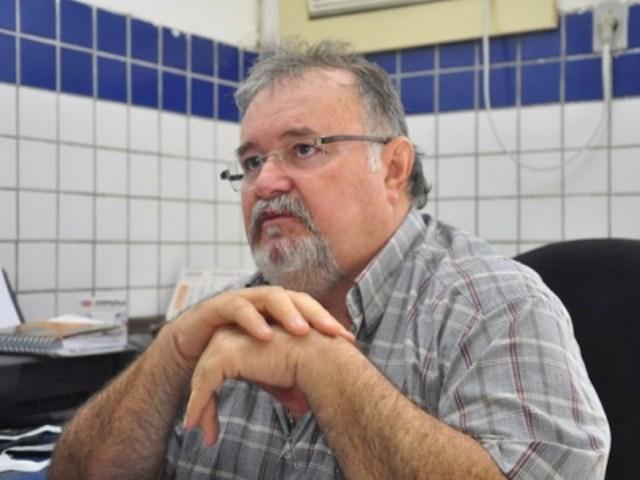 201311010856380000001336 - Após tomar a vacina, médico paraibano, Fernando Ramalho é internado com Covid-19