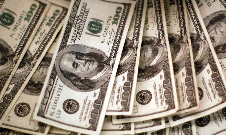 2020 09 25t121331z 1 lynxnpeg8o13a rtroptp 4 dolar abre - Dólar fecha cotado a R$ 5,77, após STF anular condenações de Lula; turismo chega a R$ 6