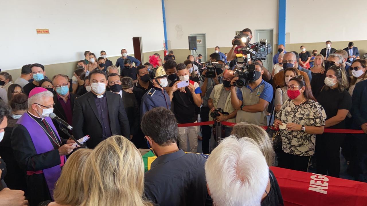 958dd830 4a7a 4715 a58e 86cca1505f76 - Risco de contaminação?! Entenda por que o velório de Zé Maranhão foi liberado