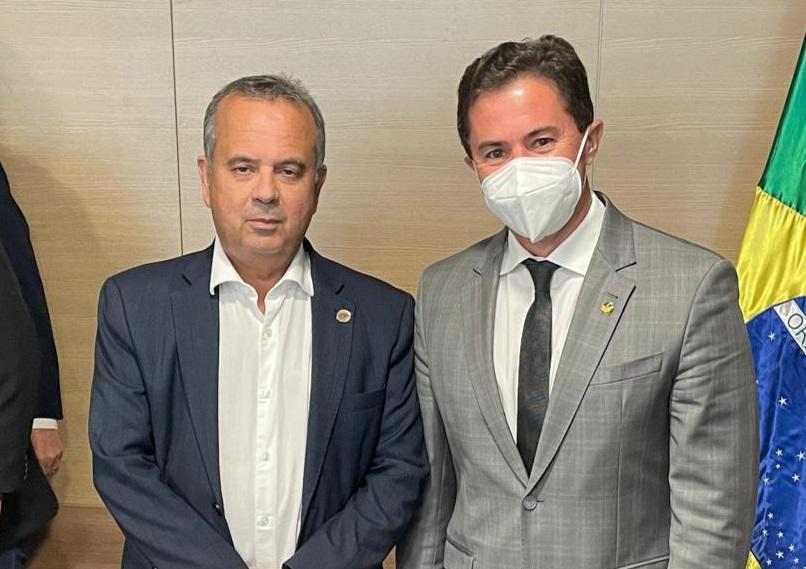 WhatsApp Image 2021 02 11 at 10.57.48 - Senador Veneziano trata com ministro Rogério Marinho sobre bombeamento no Eixo Leste da Transposição