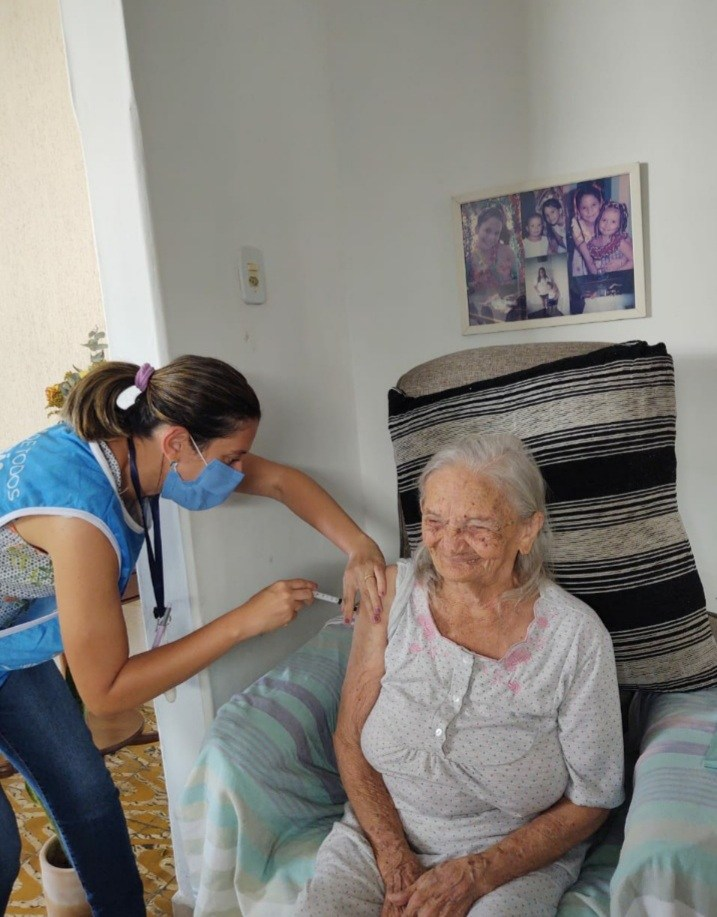 WhatsApp Image 2021 02 22 at 10.32.21 - Elizabeth Teixeira, líder das Ligas Camponesas na Paraíba, é vacinada contra a COVID-19