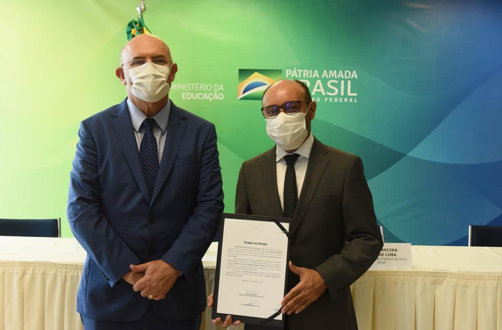 WhatsApp Image 2021 02 25 at 20.18.04 1 - Terceiro colocado: Professor Antônio Fernandes toma posse do cargo de reitor da UFCG