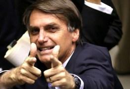 Ministra do STF dá 5 dias para Bolsonaro explicar decretos que ampliam acesso a armas