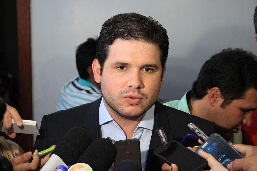 hugo motta foto walla santos 8 - Hugo Motta comenta principais demandas solicitadas à bancada paraibana em reunião em Brasília