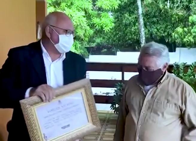 imagem 2021 02 26 201513 - Vereador Marcos Henriques entrega Voto de Aplauso ao artista pernambucano Oliveira de Panelas - VEJA VÍDEO