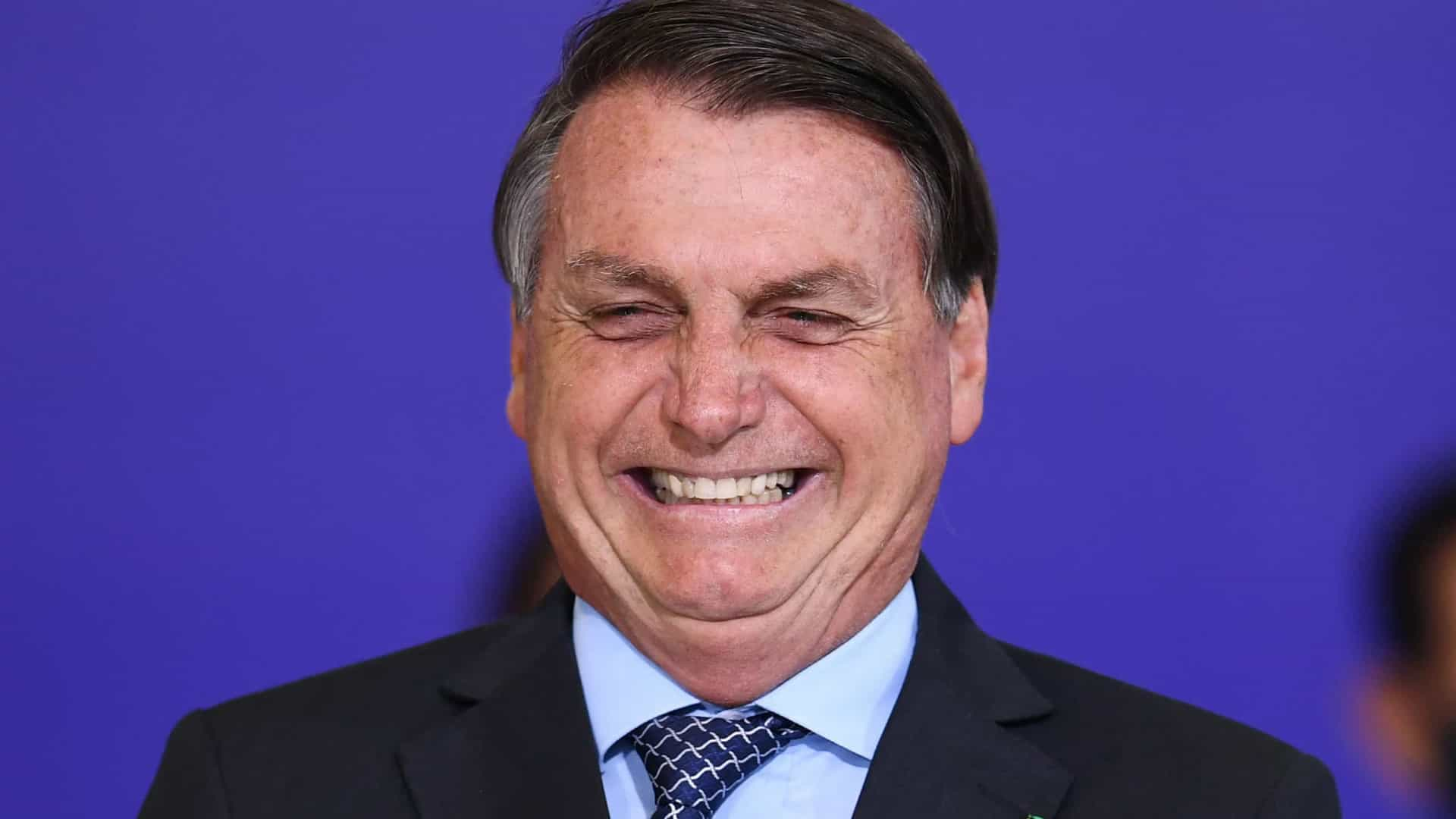 naom 6013c4f3e1110 - Bolsonaro se posiciona contra o uso de máscaras em dia de recorde de mortes por Covid-19 no Brasil