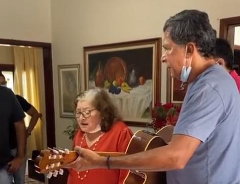ricardo barbosa vereadora - Ricardo Barbosa homenageia mãe, ex-vereadora de CG Maria Barbosa, que comemora 84 anos neste sábado - VÍDEO