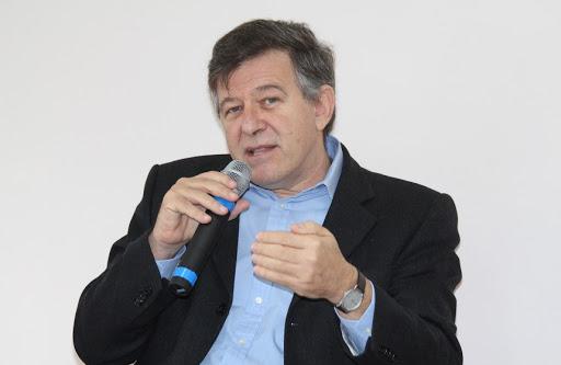 """unnamed - """"Podemos estar vacinando regiões do Brasil com uma vacina que não tem eficácia"""", diz biólogo Fernando Reinach"""