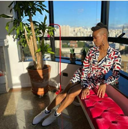 xkarol8.jpg.pagespeed.ic .Sizu50KHdy - Equipe de Karol Conká não sabe como cantora pagará aluguel do apartamento de luxo em que mora