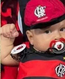 604ba1c11be7e e1615579224923 - Torcedor do Flamengo batiza filho com nomes de jogadores do time