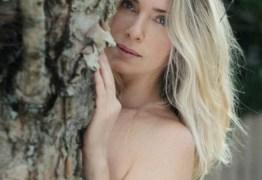 Letícia Spiller mergulha nua em cachoeira e encanta web – VEJA VÍDEO