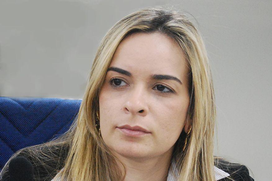 DANIELLA RIBEIRO - PARA TODO O BRASIL! Médico estuprador, briga entre Hulk e ex-sócio, primeira-dama sexy e dinheiro escondido de RC, relembre as notícias que ganharam repercussão nacional