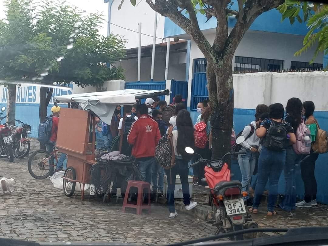 WhatsApp Image 2021 03 02 at 08.19.16 - Pais denunciam aglomeração de estudantes em escola municipal de Araruna, na Paraíba