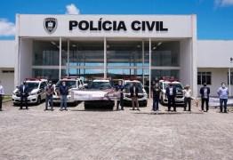 Polícias da Paraíba paralisaram atividades pedindo vacinação para a classe; diretor da ASPOL diz que movimento é nacional