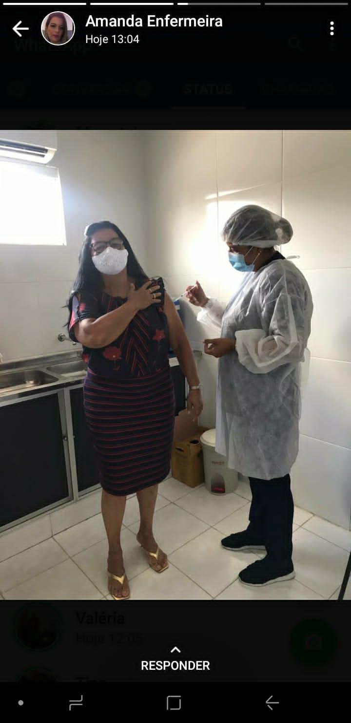 WhatsApp Image 2021 03 25 at 15.06.25 1 - DOIS DESVIOS: Enfermeira paraibana fura a fila de vacinas e imuniza o pai e a mãe em cidade onde eles não residem
