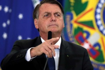 """bolsonaro reuters e1617824989118 - Bolsonaro chama Lula de """"filho do capeta"""" e diz que petista só ganha eleições de 2022 se houver fraude"""