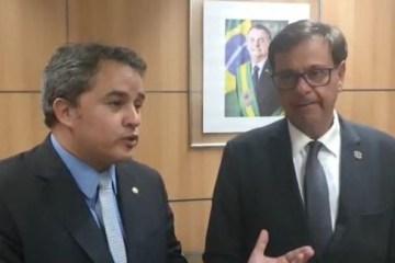 Após encontro com Efraim Filho, ministro garante investimento no Sertão da Paraíba