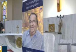 Amigos e parentes prestam homenagens a José Carlos da Silva durante missas de sétimo dia
