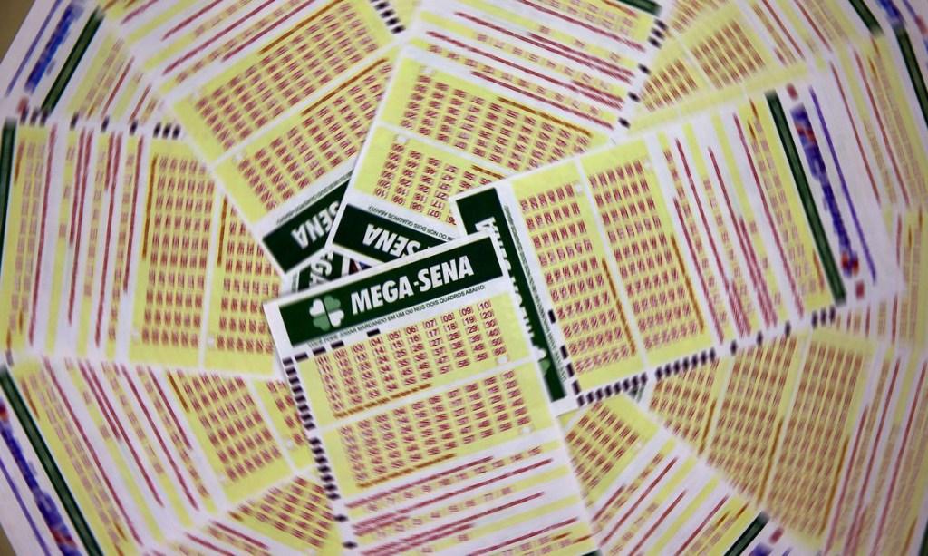 mega sena 1112203502 0 1024x613 - Mega-Sena acumula, e próximo prêmio pode chegar a R$ 27 milhões