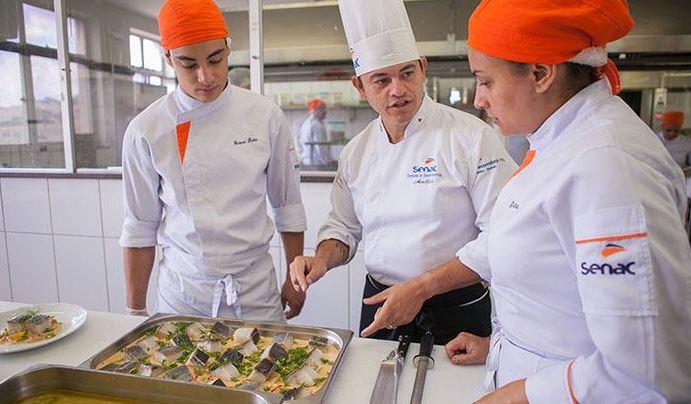 senac - Escola Senac de Gastronomia e Hotelaria oferta mais de 200 vagas para capacitação