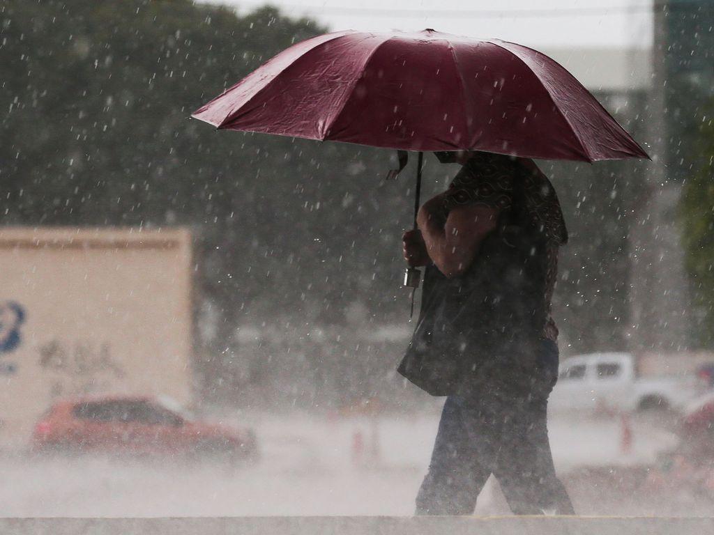 08caca482d22dbcbc26b1eb794ab383c 1 - Inmet alerta municípios do interior para risco de chuvas com raios e ventos de até 100 km/h