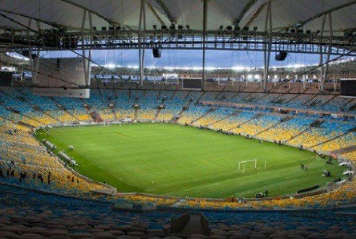 1 maracana 20953265 - Maracanã começa plantio de grama de inverno logo após o jogo entre Flamengo e La Calera