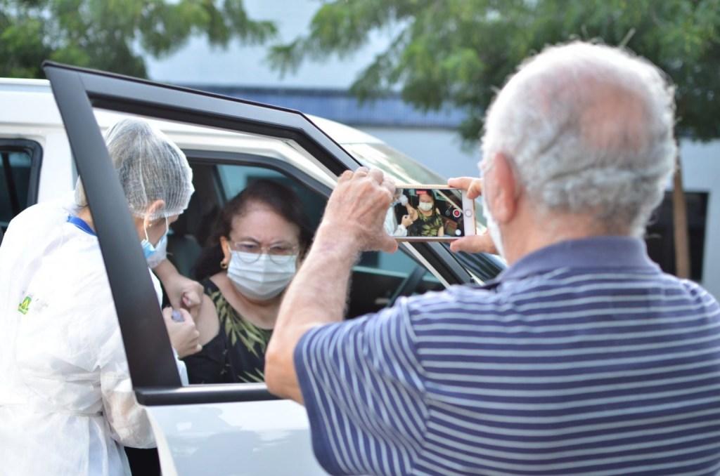 638bd9ab3bbc3eb758b548403b1ad3c7 1536x1017 1 1024x678 - Vacinação para idosos com 60 anos ou mais começa nesta segunda-feira