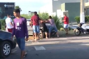 6663 - Após se envolver em acidente de trânsito em Cajazeiras, promotor de Justiça é agredido por popular - VEJA VÍDEO