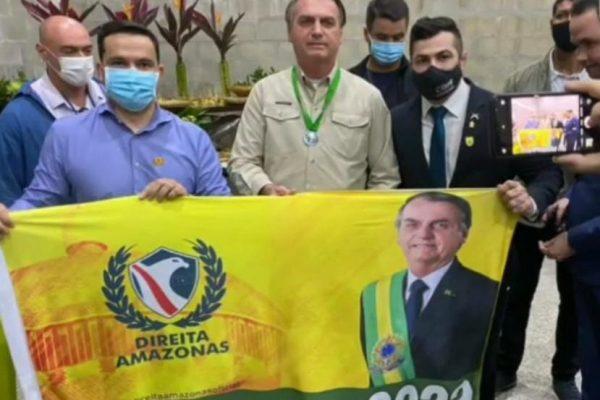 """Bolsonaro Manaus campanha 2 600x400 1 - """"BOLSONARO 2022"""": Bolsonaro faz campanha para as próximas eleições e grava com Sikêra Jr"""