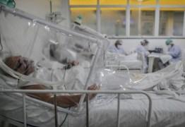 Pacientes intubados ficam acordados e amarrados ao leito, diz enfermeira de hospital emRealengo
