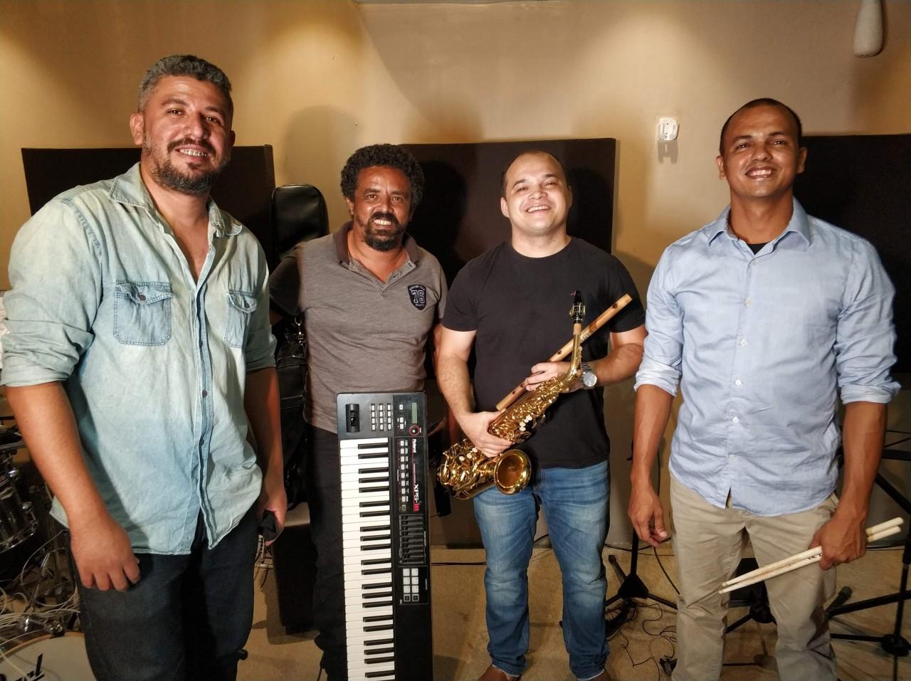 """IMG 20201201 215543 - Espalhando cultura, cantor paraibano lança novo álbum """"Joab Sax Quarteto Ao Vivo"""" nas plataformas digitais"""