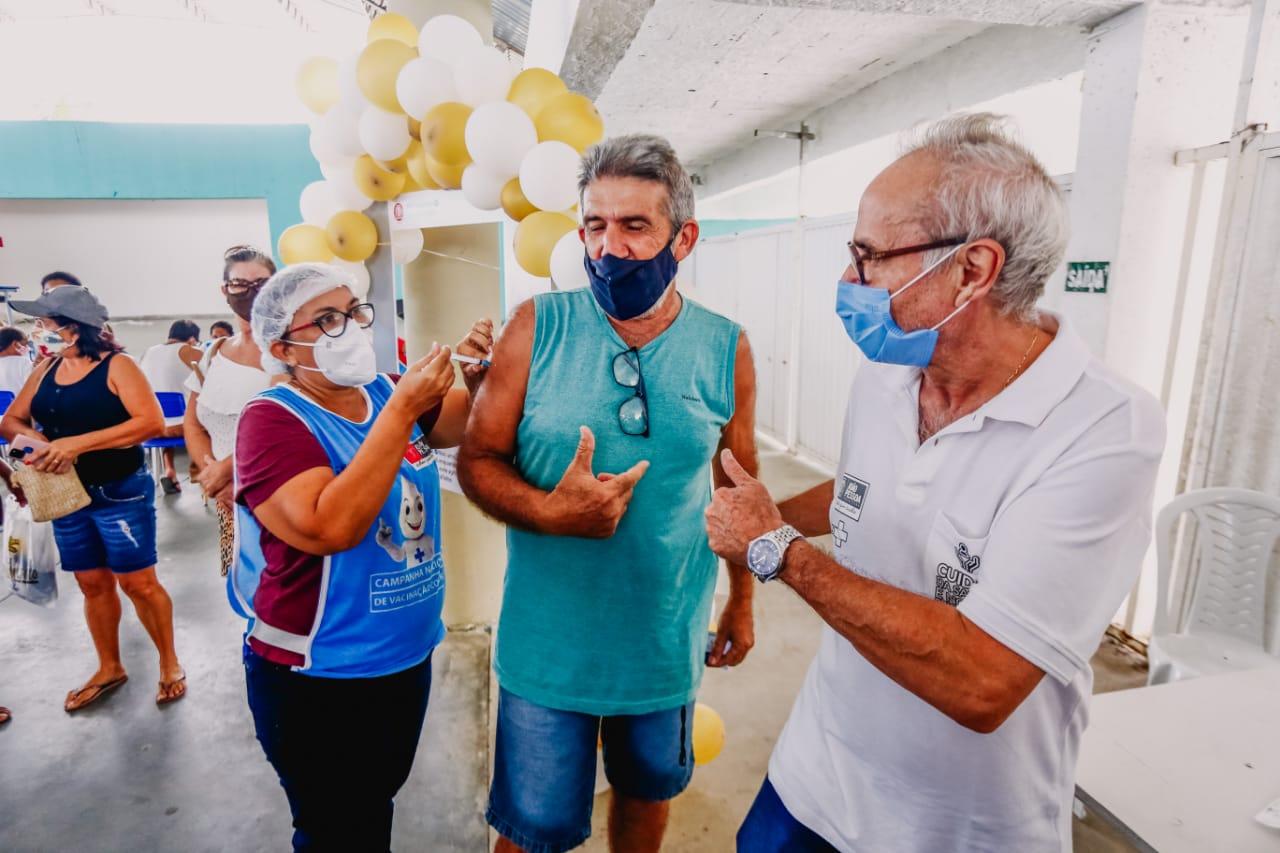 WhatsApp Image 2021 04 03 at 11.51.07 - Prefeitura vacina mais de 13 mil pessoas com mais de 60 anos e campanha segue neste domingo
