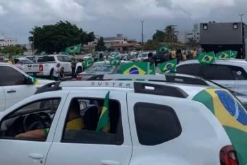 Bolsonaristas realizam 'Marcha da Família' nas ruas de João Pessoa neste domingo