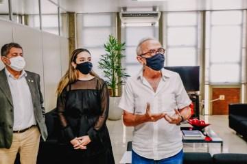 Prefeito assina Termo de Cooperação Técnica com a Fecomércio para implantação do Sine Digital
