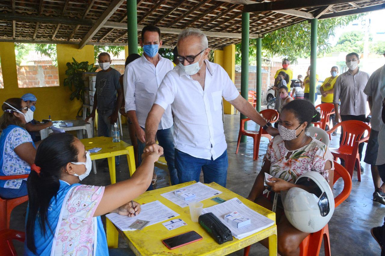 WhatsApp Image 2021 04 26 at 15.22.40 - Cícero acompanha em Paratibe vacinação contra a Covid-19 dos povos quilombolas