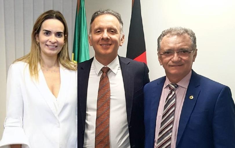 WhatsApp Image 2021 04 28 at 14.58.22 - Aguinaldo e Daniella Ribeiro recebem pleito de Galego Souza para intercederem em prol da aprovação do piso salarial para a Enfermagem