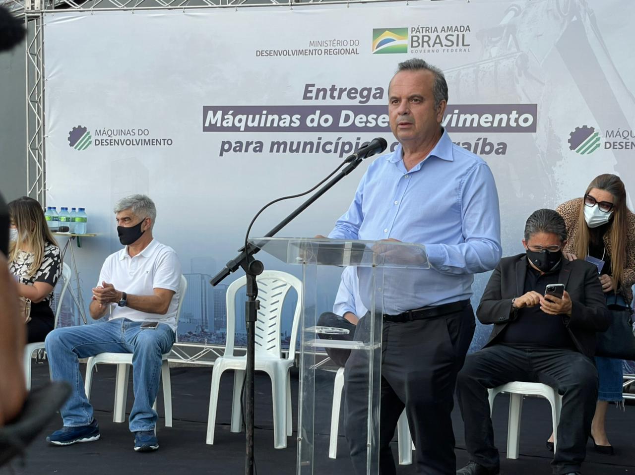 """WhatsApp Image 2021 04 29 at 16.24.11 - """"Wellington Roberto tem sido um parceiro decisivo nas mudanças que estão ocorrendo no Brasil""""; diz ministro Rogério Marinho em visita à Paraíba - VEJA VÍDEO"""