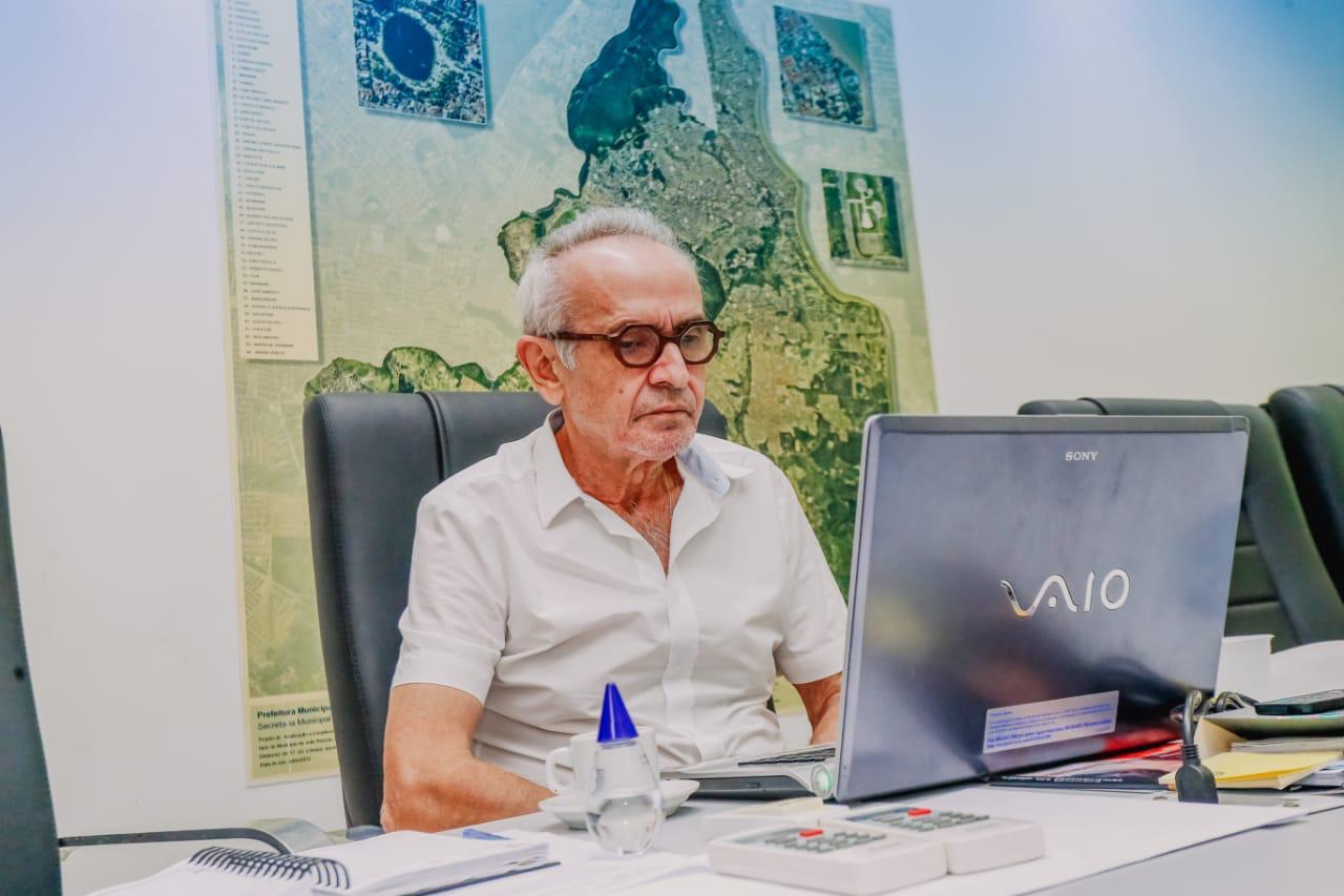 WhatsApp Image 2021 04 30 at 11.53.24 - Cícero Lucena discute vacinação de professores em reunião da Frente Nacional de Prefeitos