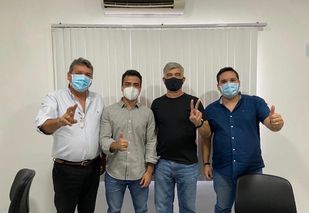 WhatsApp Image 2021 04 30 at 18.49.05 - Pré-candidato ao Senado, Bruno Roberto recebe apoio de prefeitos paraibanos; CONFIRA