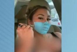Digital influencer é presa após usar pintura como máscara contra Covid-19